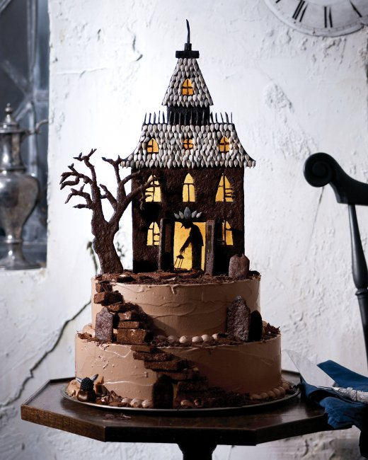 Haunted House Gingerbread Cake